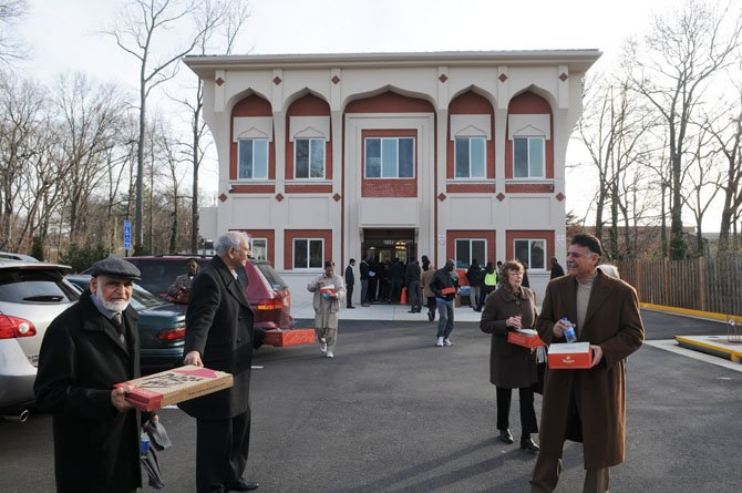 10 Tips to Safeguard Your Mosque in the Era of Anti-Muslim Bigotry